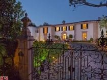 Villa for sale - Mac Dinh Chi Street Dist 1 area of 780m2