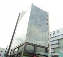 Cần bán gấp một số cao ốc văn phòng nằm trên trục đường trung tâm Quận Phú Nhuận giá tốt